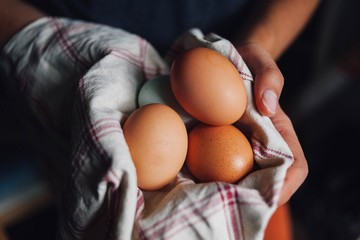 7 THINGS TO CARRY LIKE A CRATE OF EGGS