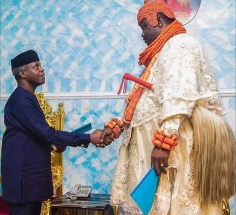 Moments Vice President Prof. Yemi Osinbajo Shakes Hands with Giant Monarch