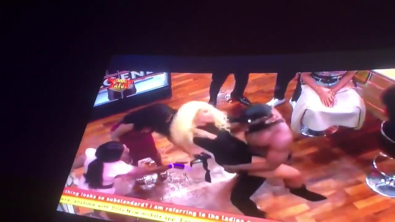 #Bbnaija2019 : Ike fights Tuoyo after he caught him doing this to Mercy (Video)