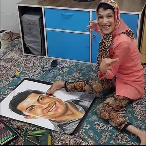 Disabled Woman Sketches a Portrait of Cristiano Ronaldo Using Her Feet