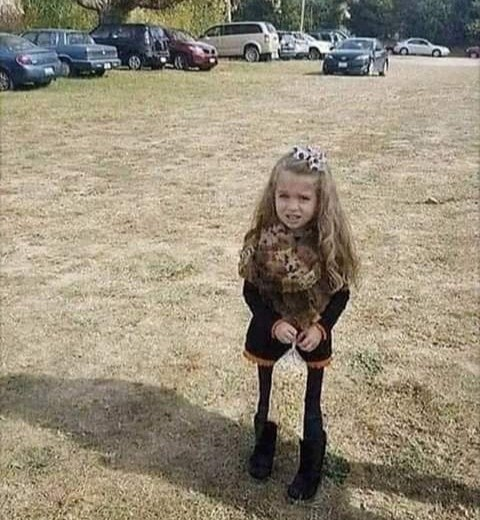 Can you Spot What's Wrong with this Little Girl's Leg?