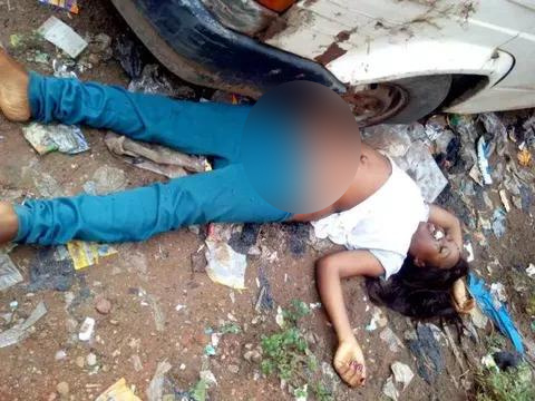Lifeless Body of Beautiful Lady Used for Rituals Dumped by the Roadside in Lagos