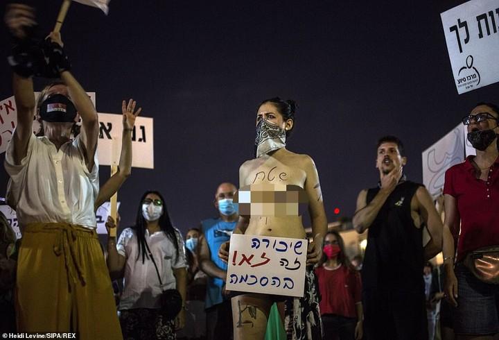 Massive Protest After 30 Men Gang-Rape 16-year-old Girl in Israel (VIDEO)