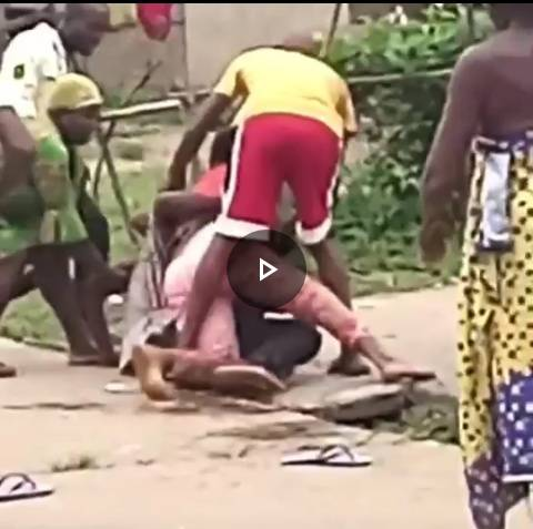 VIDEO: Wife Beat Up Husband for Slapping Her in Front Of His Mother