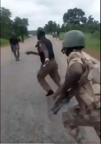 VIDEO: Soldiers Beats Up Police Officers For Escorting Money From Travelers