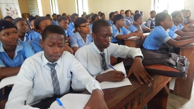 181 Boarding School Students and Staff Contacts COVID-19