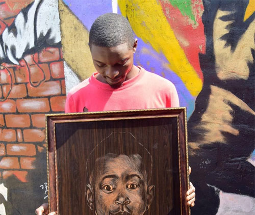 Meet Barion Texzas, the Nigerian Artist Who Can Sketch Anything Using Razor Blade and His Hands